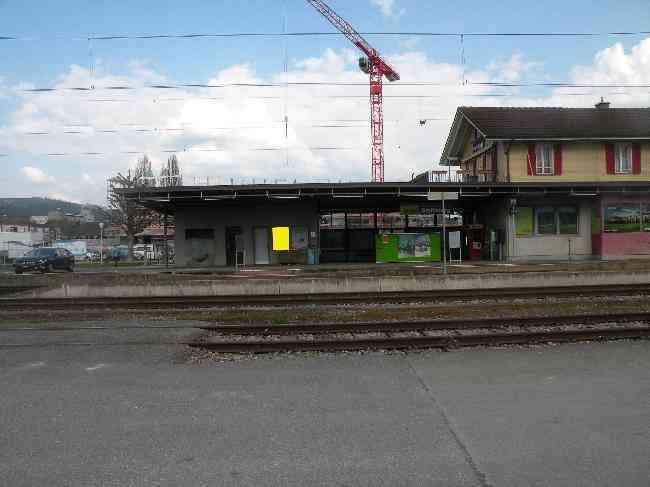 17 Bahnhof Gleisseitig L