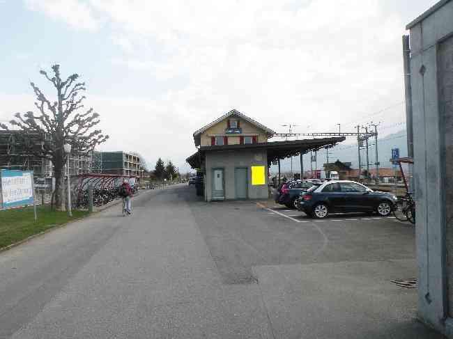 16 Bahnhof Bahnhofstrasse 80 Parkplatz