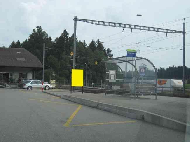 463 Bahnhof Bushaltestelle Huttwilstrasse 6