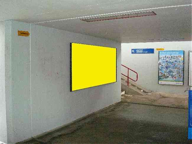 168 Bahnhof Durchgang Perron 1 Schule