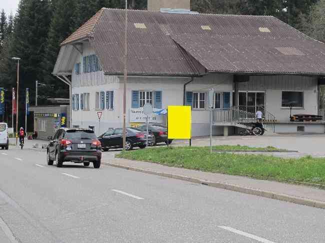 462 Bahnhof Fahrtrichtung Huttwilstrasse 6