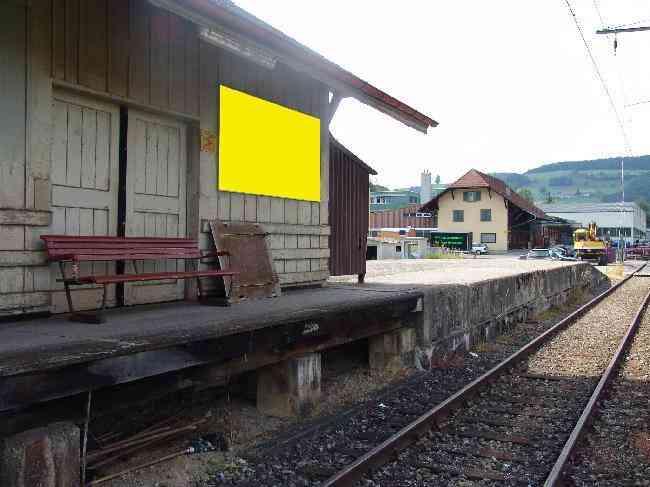 359 Bahnhof Geleiseseite