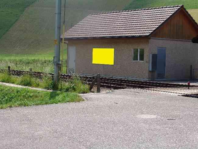 120 Bahnhof Geleisseite Bahnubergang