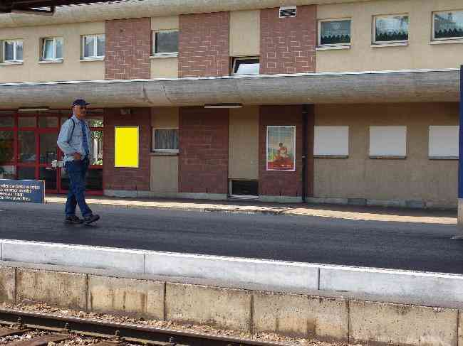 148 Bahnhof Geleisseite L