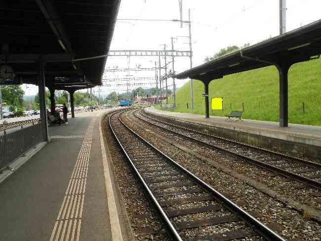 137 Bahnhof Geleisseite L