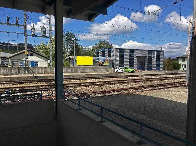 578 Bahnhof Geleisseite Sicht Bahnhof L
