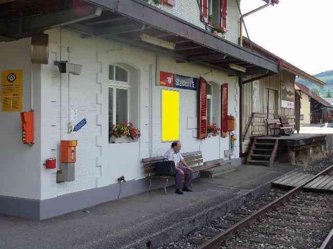 83 Bahnhof Geleisseite Links