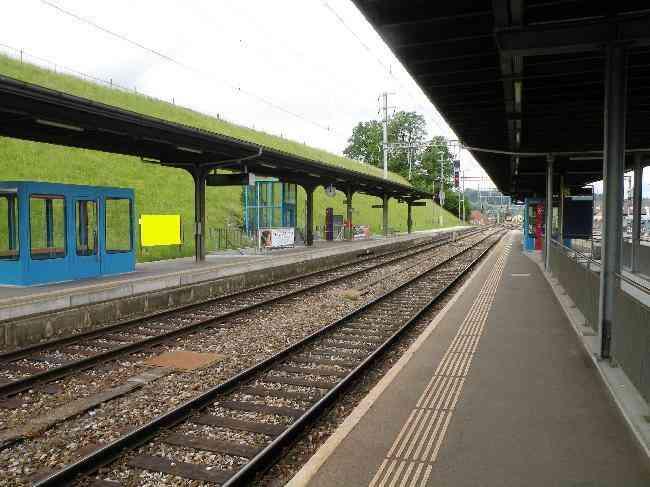 136 Bahnhof Geleisseite M