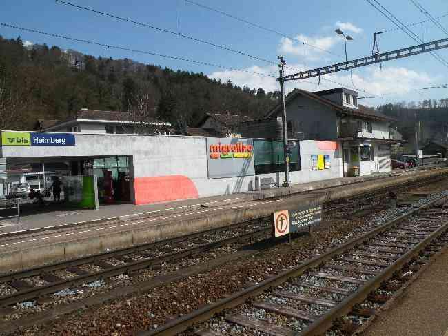57 Bahnhof Geleisseite