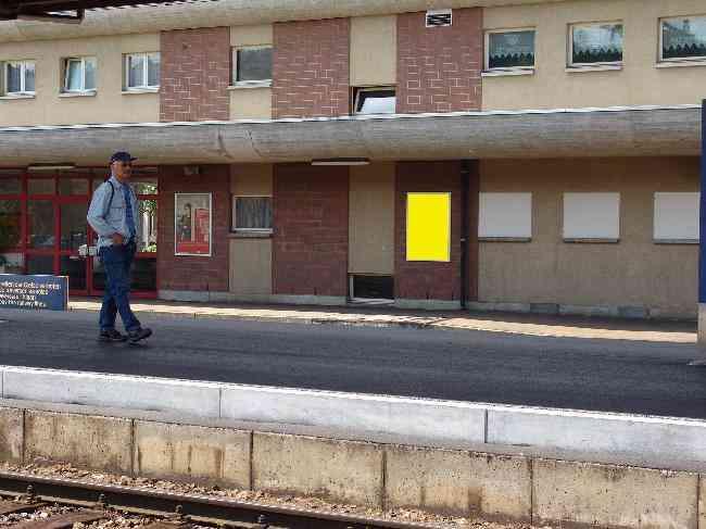 149 Bahnhof Geleisseite R