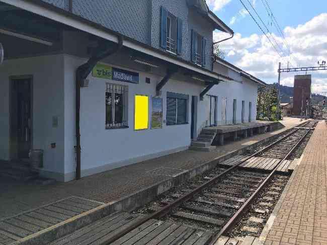 574 Bahnhof Geleisseite L