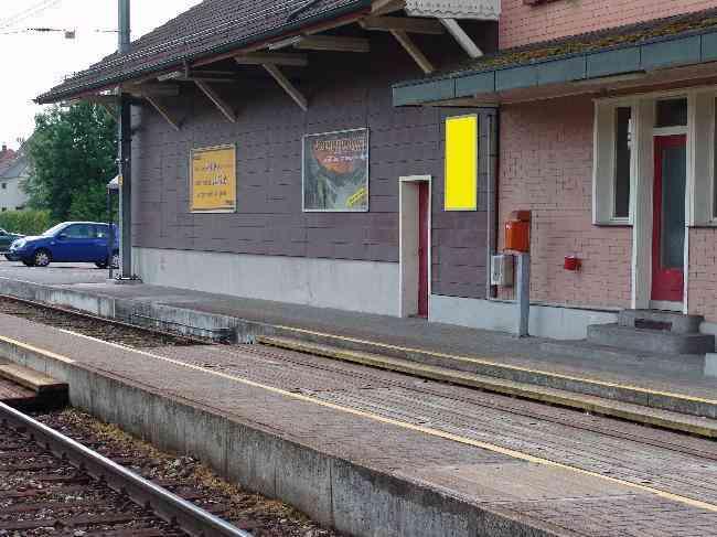 215 Bahnhof Gleis 1