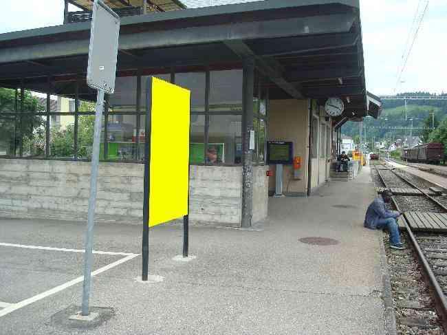 510 Bahnhof Geleisseite