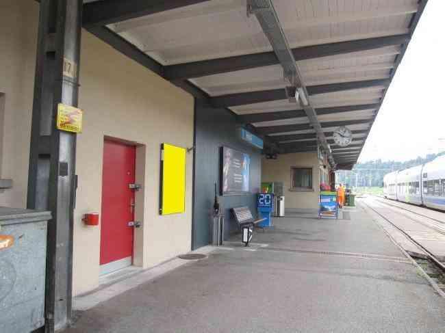 454 Bahnhof Gleis 1