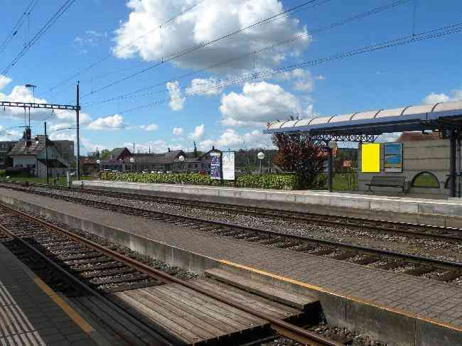 235 Bahnhof Gleis 2 L