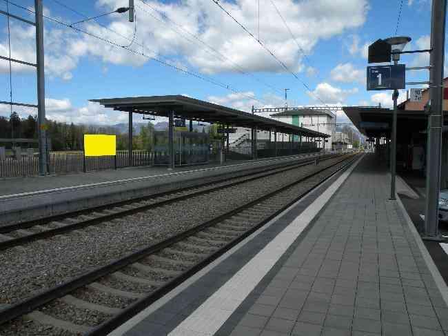 230 Gleis 2 L Bahnhofstrasse 24