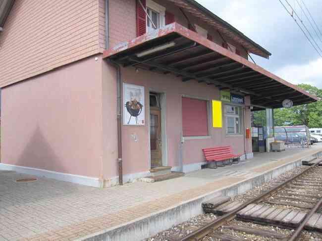 390 Bahnhof Gleisseite R