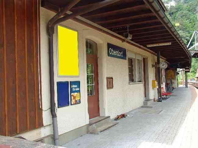 399 Bahnhof Gleisseite