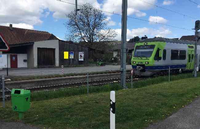 567 Bahnhof Holzschopf Landi Links