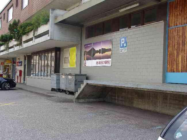586 Bahnhof Parkplatz R