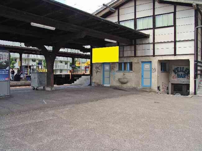 167 Bahnhof Parkplatz Zugang Fussganger