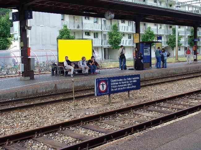 164 Bahnhof Perron Vorderseite Sicht Bahnhof