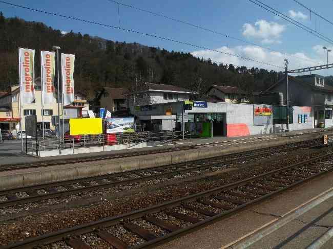 65 Bahnhof Treppe Geleisseite L