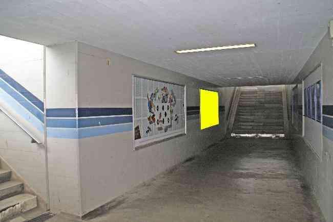 528 Bahnhof Unterfuhrung Perron