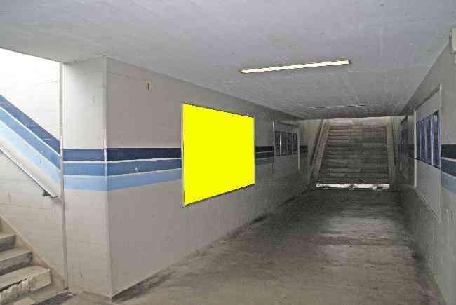 529 Bahnhof Unterfuhrung Perron