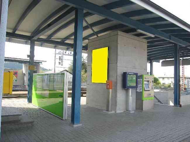 572 Bahnhof Unterfuhrung