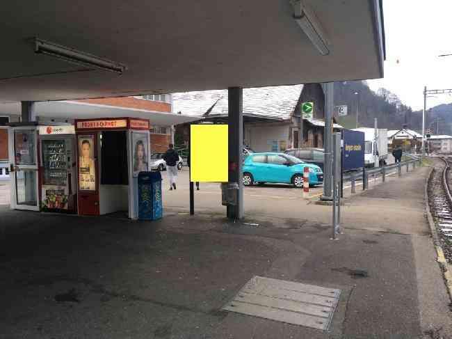 535 Bahnhof Unterstand