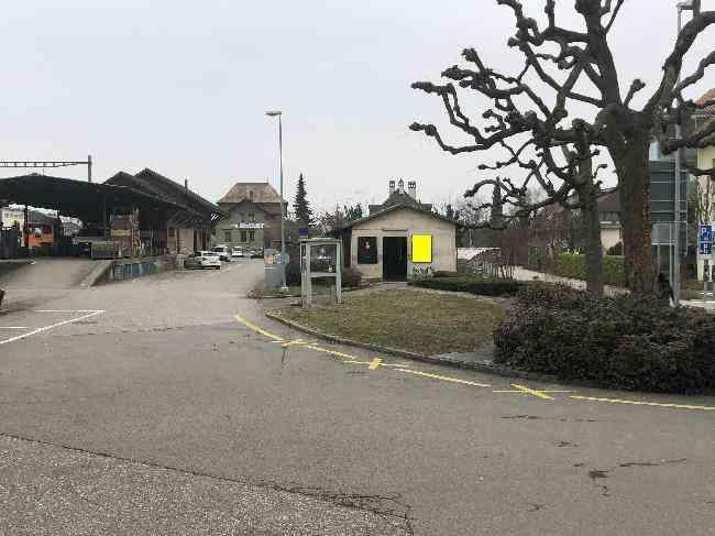 174 Bahnhof Velo Fussganger Rechts