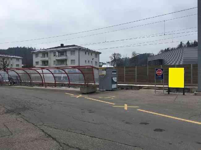 512 Bahnhof Velo Fussganger