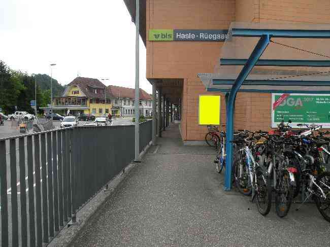 129 Bahnhof Velostand