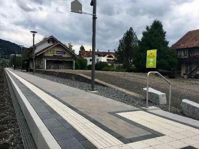 82 Bahnhof Zufahrt Bls