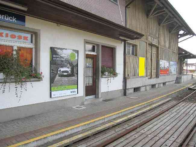 433 Bahnhofplatz 3 Gleisseite Guterschuppen