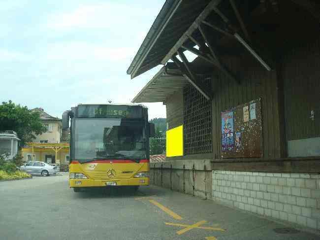 518 Bahnhofstrasse Fussganger Bus