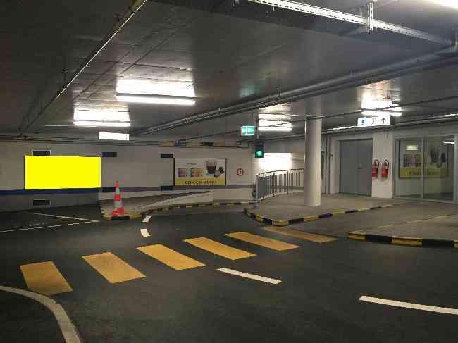 619 014 Bernexpo Parking Einfahrt 2 Ug