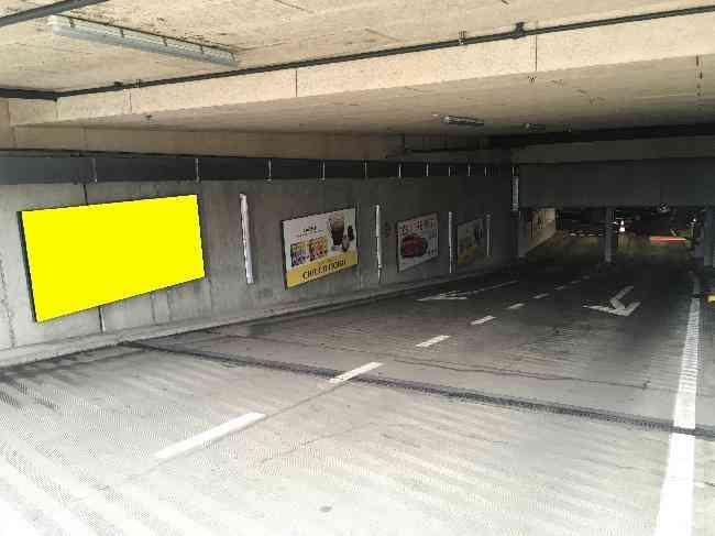 606 001 Bernexpo Parking Ausfahrt