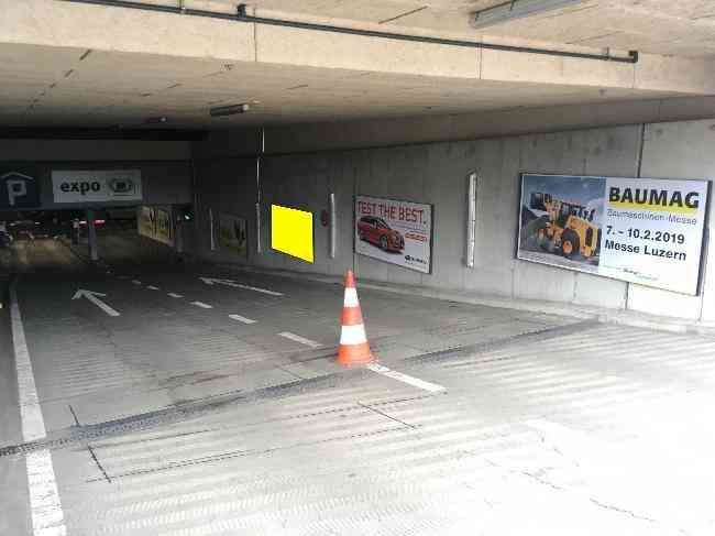 613 008 Bernexpo Parking Einfahrt