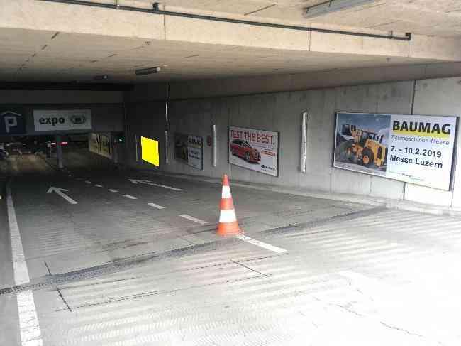 614 009 Bernexpo Parking Einfahrt