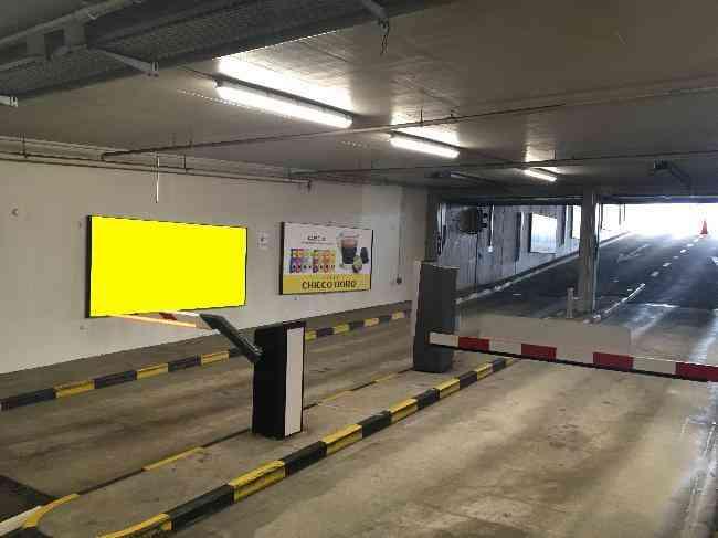 616 011 Bernexpo Parking Einfahrt Schranke