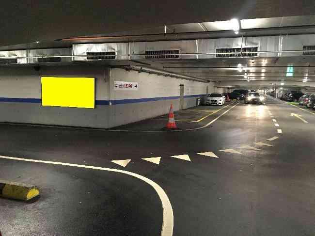 621 016 Bernexpo Parking Durchfahrt Links