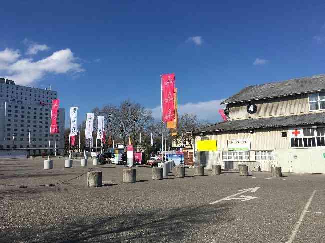 649 019 Bernexpo Fussganger Parkplatz Festhalle