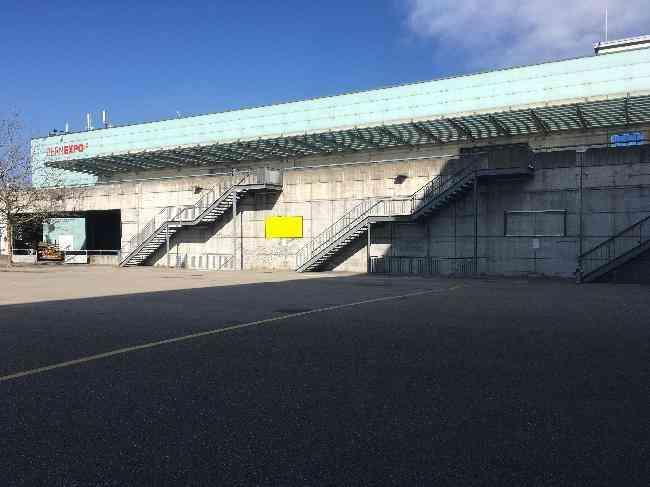 628 Bernexpo Fussganger Stadion L