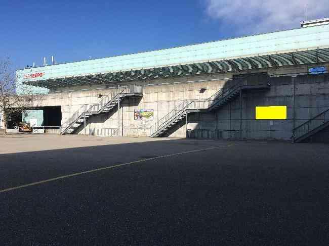 629 Bernexpo Fussganger Stadion R