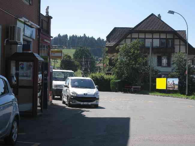 105 Bus Kiosk Bahnhofstrasse L