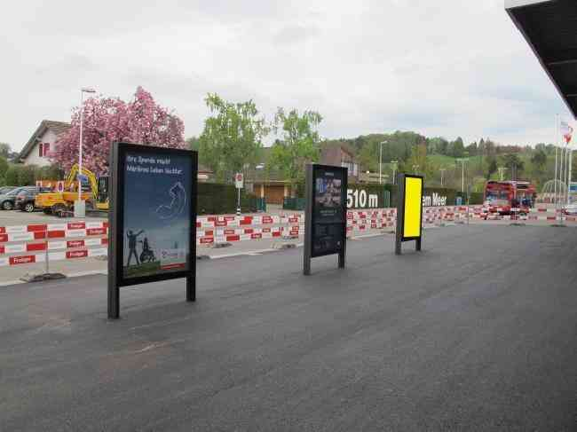 46 Flughafen Ausgang Kiosk Flugplatzstrasse 53 R