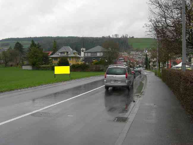 832 Gegenfahrtrichtung Thunstrasse 28
