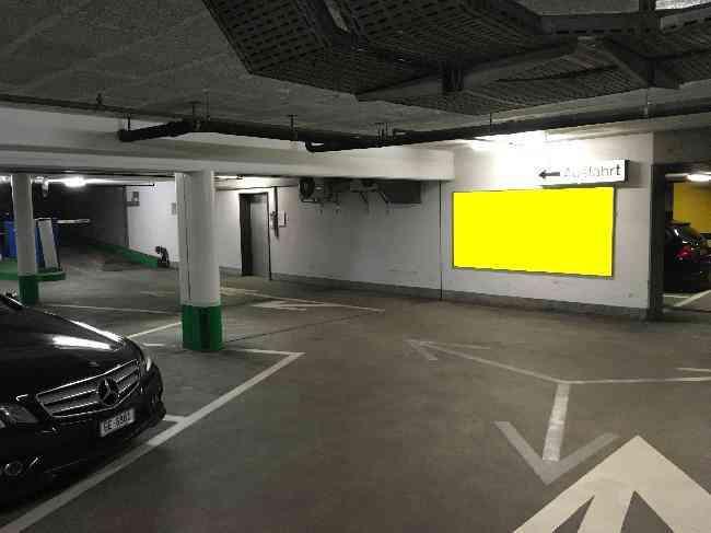 316 Parking Sternen Ausfahrt Fussganger